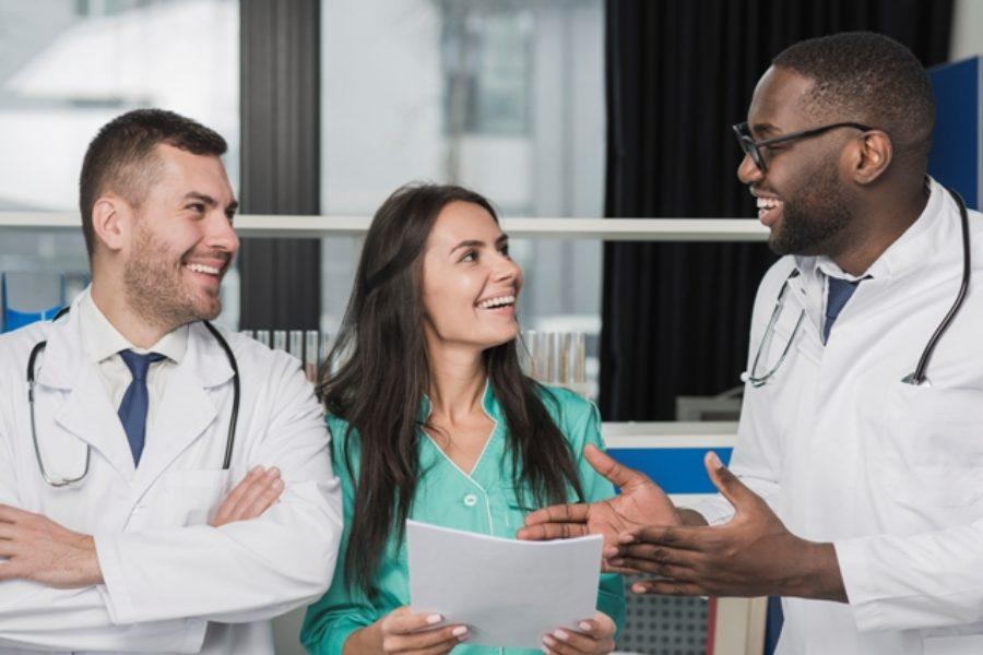 A hora e a vez do profissional de saúde